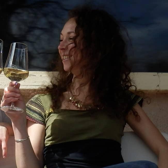 le bureau des viticulteurs assistante administrative et commerciale